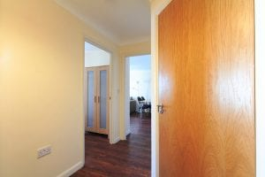 Hallway of 2 bed serviced apartment to rent in Hemel Hempstead