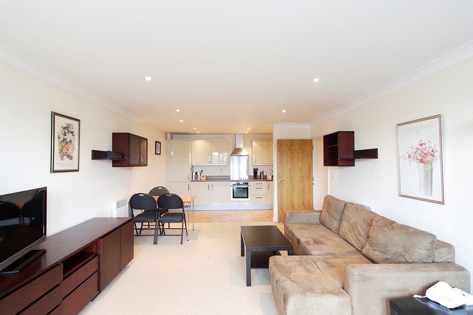 Lounge/ Diner of 2 Bed Serviced Apartment Penthouse to rent in Hemel Hempstead