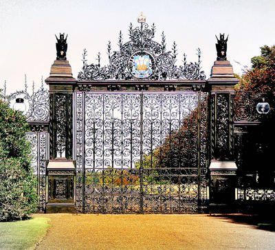 Gates of the rich and famous