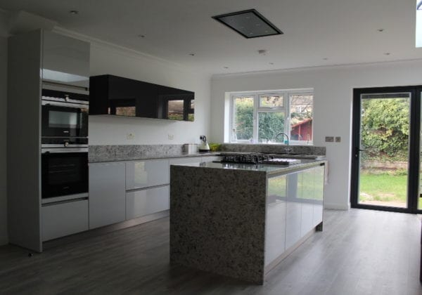 handleless fitted kitchens
