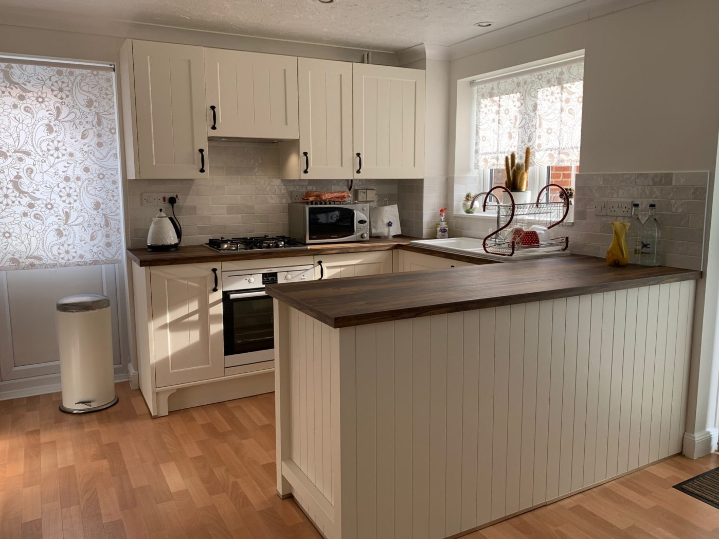 Affordable Kitchen: Small Kitchen Ideas: Small Kitchen Storage Solutions & Tips when Designing your Affordable Dream Kitchen.