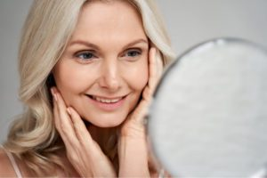 how to improve skin texture and skin tone: avoid sun damage and reduce fine lines